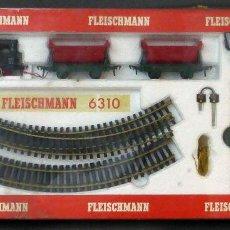 Trenes Escala: CAJA CIRCUITO TREN FLEISCHMANN 6310 LOCOMOTORA 2 VAGONES AÑOS 70 FUNCIONA NUEVO. Lote 98130495