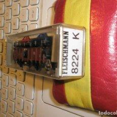 Trenes Escala: 1 UN VAGON FLEICSCHMANN ESCALA N REF:8224 TRANSPORTE DE 4 COCHES NUEVO. Lote 154477122