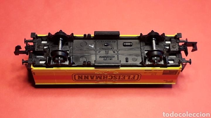 Trenes Escala: Vagón cerrado frigorífico 2 ejes, Fleischmann made in Germany, esc. N, original años 90. - Foto 3 - 188769496