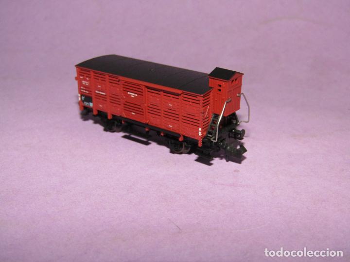 Trenes Escala: Antiguo Vagón Transporte Ganado con Garita Guardafrenos Escala *N* Ref 8354 de FLEISCHMANN PICCOLO - Foto 2 - 218807005