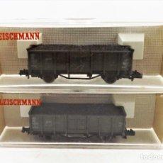 Trenes Escala: FLEISCHMANN PICCOLO. CONJUNTO DE 2 VAGONES DE CARGA. REF. 8206+8206. Lote 254180760