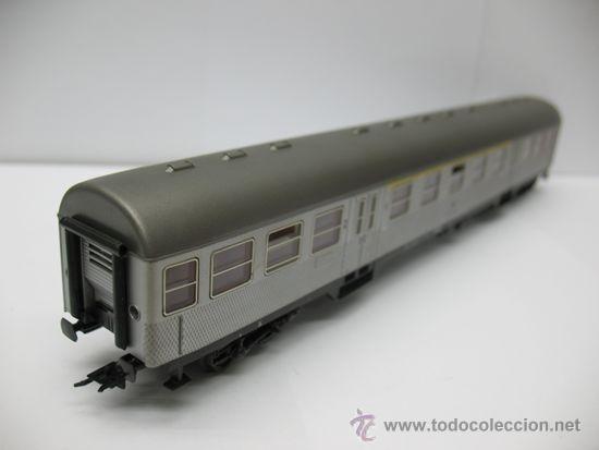 Trenes Escala: Hornby Meccano - Coche de pasajeros de la DB 508031-45300-6 - Escala H0 - Foto 5 - 39107461
