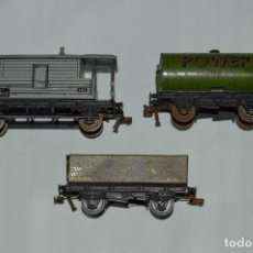 Trenes Escala: LOTE 3 VAGONES HORNBY / MECCANO - H0 / 00 - MADE IN ENGLAND - MUY ANTIGUOS - HOJALATA. Lote 62540072