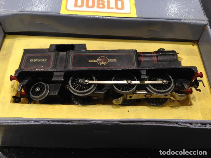 Trenes Escala: ANTIGUA CAJA COMPLETA TREN ESCALA H0 HORNBY DUBLO MECCANO LOCOMOTORA + 4 VAGONES - Foto 3 - 78648037