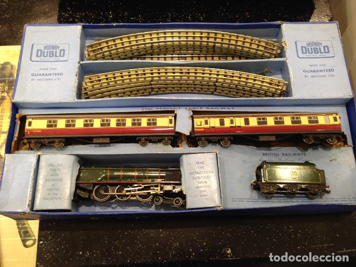 Trenes Escala: ANTIGUA CAJA COMPLETA TREN ESCALA H0 HORNBY DUBLO MECCANO LOCOMOTORA + 3 VAGONES - Foto 2 - 78648241