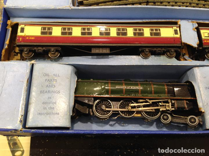 Trenes Escala: ANTIGUA CAJA COMPLETA TREN ESCALA H0 HORNBY DUBLO MECCANO LOCOMOTORA + 3 VAGONES - Foto 3 - 78648241