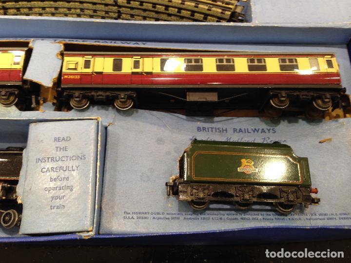 Trenes Escala: ANTIGUA CAJA COMPLETA TREN ESCALA H0 HORNBY DUBLO MECCANO LOCOMOTORA + 3 VAGONES - Foto 4 - 78648241