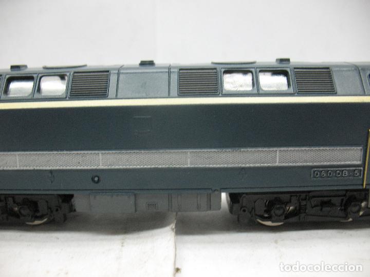 Trenes Escala: Hornby Meccano - Antigua locomotora Diesel de la SNCF 060 DB 5 corriente continua - Escala H0 - Foto 4 - 153941634