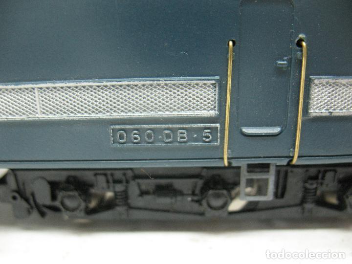 Trenes Escala: Hornby Meccano - Antigua locomotora Diesel de la SNCF 060 DB 5 corriente continua - Escala H0 - Foto 6 - 153941634