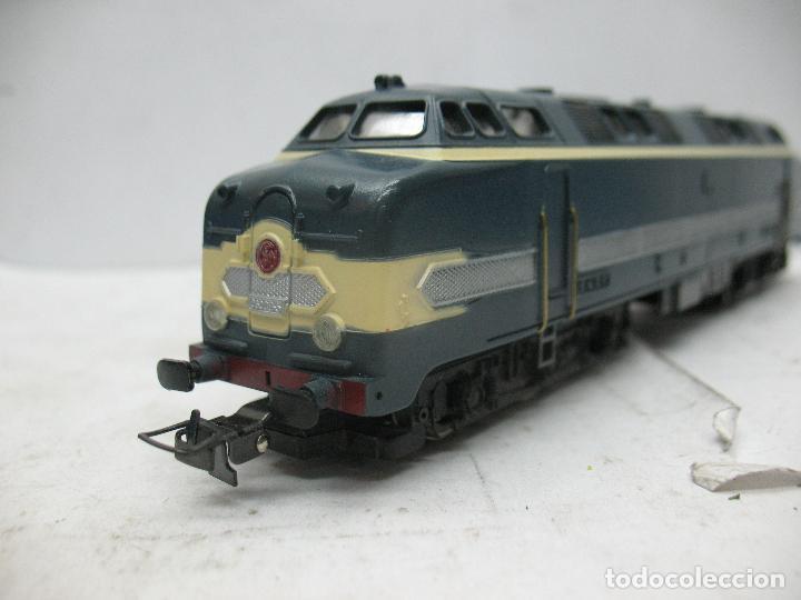 Trenes Escala: Hornby Meccano - Antigua locomotora Diesel de la SNCF 060 DB 5 corriente continua - Escala H0 - Foto 7 - 153941634