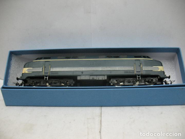Trenes Escala: Hornby Meccano - Antigua locomotora Diesel de la SNCF 060 DB 5 corriente continua - Escala H0 - Foto 11 - 153941634