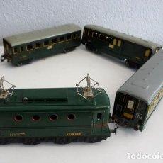 Trenes Escala: JUEGO DE TREN: VÍAS, LOCOMOTORA, VAGONES Y TRANSFORMADOR. Lote 100309583