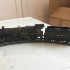 Trenes Escala: LOCOMOTORA HORNBY DUNSTER CASTLE H0 CON TENDER Y CAJA. Lote 100746520
