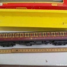 Trenes Escala: VAGÓN DE TREN TRI-ANG HORNBY RAILWAYS COMPOSITE COACH. R 747. SIN LAS RUEDAS. Lote 111324755