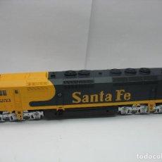 Trenes Escala: MEHANO - LOCOMOTORA DIESEL AMERICANA SANTA FE 5253 CORRIENTE CONTINUA - ESCALA H0. Lote 159346014