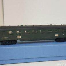 Trenes Escala: HORNBY AC H0 DE LA SNCF FRANCESA PARIS LILLE SEGUNDA CLASE EN VERDE. Lote 137314969