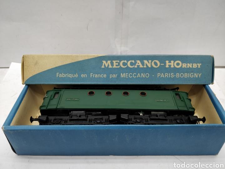 MECCANO HORNBY REF: 6382 - LOCOMOTORA ELÉCTRICA DE CORRIENTE CONTINUA CON 2 MOTORES SNCF BB.8144 (Juguetes - Trenes Escala H0 - Hornby H0)