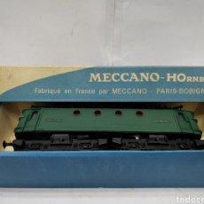 Trenes Escala: MECCANO HORNBY REF: 6382 - LOCOMOTORA ELÉCTRICA DE CORRIENTE CONTINUA CON 2 MOTORES SNCF BB.8144. Lote 165463912