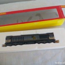 Trenes Escala: HORNBY LOCOMOTORA EN MUY BUEN ESTADO. R2252 BR CO-CO DIESEL ELECTRIC CLASS 58050 00 OO GAUGE. Lote 175496962