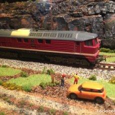 Trenes Escala: PIKO H0 LOCOMOTORA DIESEL 130.005-2 (67). Lote 184259701