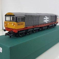 Trenes Escala: HORNBY LOCOMOTORA DIÉSEL CORRIENTE CONTINUA 58001 INGLESA RAILFREIGHT ESCALA H0 25CMS. Lote 191194385