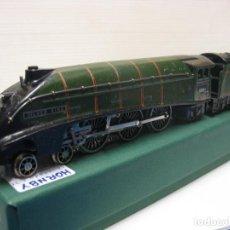 Trenes Escala: LOCOMOTORA HORNBY HO CON CORRIENTE CONTINUA A 3 RAILES . Lote 199163648