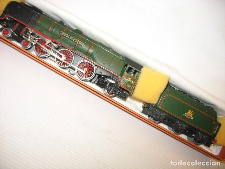 LOCOMOTORA HORNBY HO CON CORRIENTE CONTINUA A 3 RAILES HO (Juguetes - Trenes Escala H0 - Hornby H0)