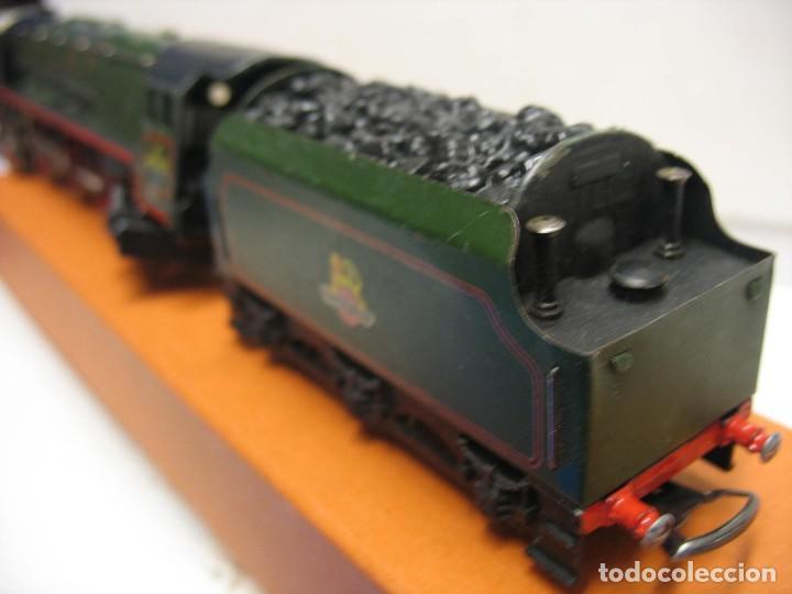Trenes Escala: locomotora hornby ho con corriente continua a 3 railes HO - Foto 8 - 230576450