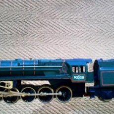 Trenes Escala: LOC ESCALA H0 HORNBY UK EVENING STAR PRECISA LIMPIEZA SIN CAJA OROGINAL. Lote 264058990