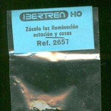 Trenes Escala: IBERTREN REF. 2657 ZOCALO LUZ ILUMINACION ESTACION Y CASA. NUEVO. Lote 34316456
