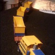 Trenes Escala: ANTIGUO TREN VAGONES Y MAQUINA LOCOMOTORA IBERTREN VAGON TRANS CONTAINER. Lote 155933513