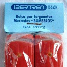 Trenes Escala: IBERTREN ESCALA HO: BOLSA CON DOS FURGONETAS MERCEDES BOMBEROS. ¡¡NUEVA!! ORIGINAL. Lote 142894641
