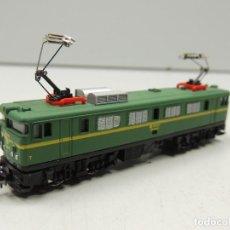Trenes Escala: IBERTREN H0 - LOCOMOTORA ELÉCTRICA MITSUBISHI RENFE 269-050-1 - REF. 2109 - AÑOS 80. Lote 111969655