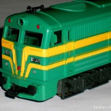 Trenes Escala: LOCOMOTORA ALCO 2100 RENFE *VERDE INTENSO* ÚLTIMA ÉPOCA, MOTOR CIRCULAR, IBERTREN H0, AÑOS 80. Lote 118011031
