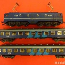 Trenes Escala: IBERTREN ESCALA HO. LOTE LOCOMOTORA 1304 ELÉCTRICA Y DOS VAGONES PASAJEROS.. Lote 124876339
