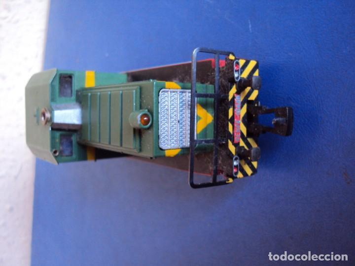 Trenes Escala: (JU-180100)LOCOMOTORA DIESEL RENFE 10400 DE IBERTREN (FUNCIONANDO) - Foto 2 - 146234978
