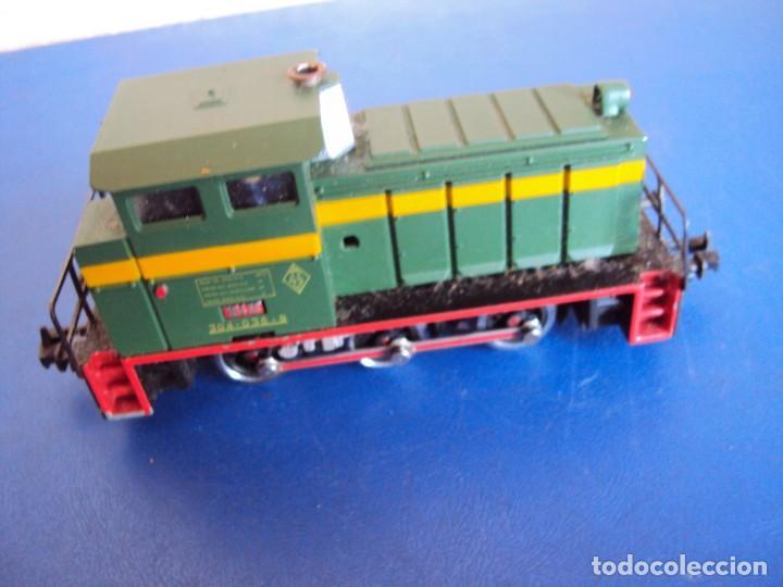 Trenes Escala: (JU-180100)LOCOMOTORA DIESEL RENFE 10400 DE IBERTREN (FUNCIONANDO) - Foto 3 - 146234978