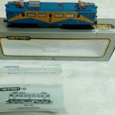 Trenes Escala: LOCOMOTORA MITSUBISHI RENFE CON PANTOGRAFO. Lote 146701493