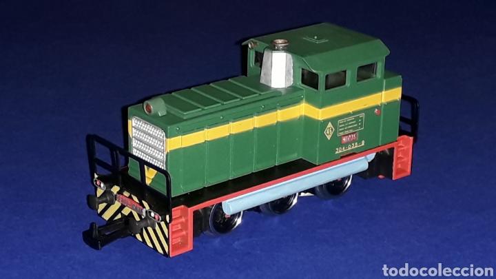 Trenes Escala: Locomotora Diesel Maniobras 304 Renfe 10435 ref. 2101, Ibertren H0. original años 80. - Foto 2 - 160643016