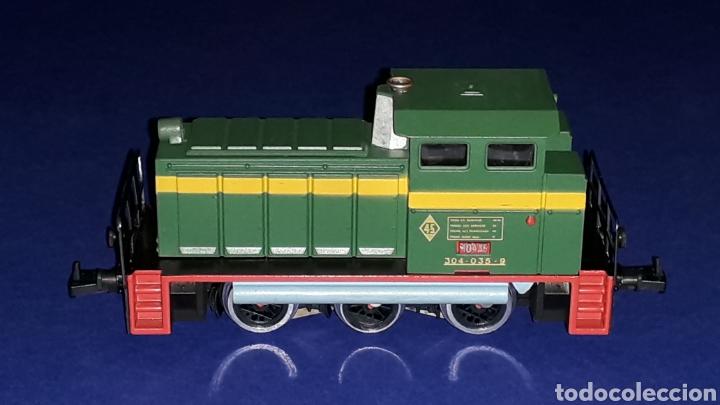 Trenes Escala: Locomotora Diesel Maniobras 304 Renfe 10435 ref. 2101, Ibertren H0. original años 80. - Foto 3 - 160643016