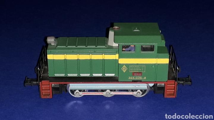Trenes Escala: Locomotora Diesel Maniobras 304 Renfe 10435 ref. 2101, Ibertren H0. original años 80. - Foto 2 - 160643422