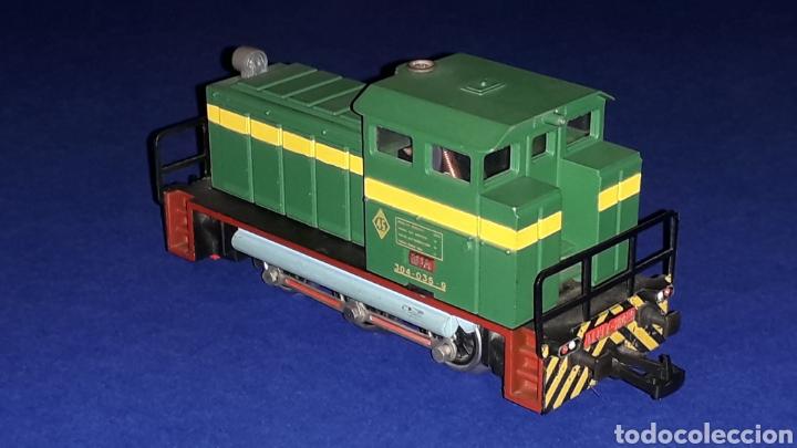 Trenes Escala: Locomotora Diesel Maniobras 304 Renfe 10435 ref. 2101, Ibertren H0. original años 80. - Foto 3 - 160643422