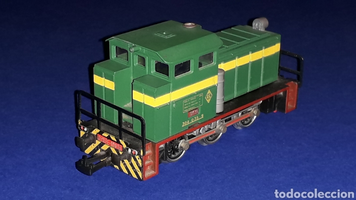 Trenes Escala: Locomotora Diesel Maniobras 304 Renfe 10435 ref. 2101, Ibertren H0. original años 80. - Foto 4 - 160643422