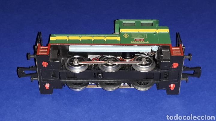 Trenes Escala: Locomotora Diesel Maniobras 304 Renfe 10435 ref. 2101, Ibertren H0. original años 80. - Foto 7 - 160643422