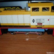 Trenes Escala: IBERTREN HO LOCOMOTORA DIESEL MANIOBRAS SHELL REF.2103 DIGITAL. Lote 180956908
