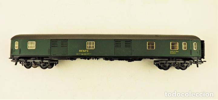 Trenes Escala: Ibertren Furgón verde RENFE ref 2207 - Foto 2 - 191730567