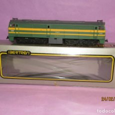 Trenes Escala: ANTIGUA LOCOMOTORA DIESEL ALCO 2100 RENFE ESC. *H0* REF 2104 DE IBERTREN MADE IN SPAIN 1980S. Lote 195198421