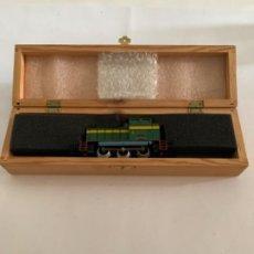 Trenes Escala: IBERTREN. HO. TRACTOR 304 VERDE. Lote 202986793