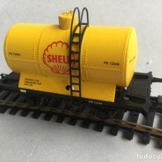 Trenes Escala: IBERTREN H0 VAGON CERRADO CARGA CISTERNA DOS EJES SHELL DIGITAL. Lote 218186307