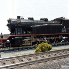 Trenes Escala: IBERTREN H0 LOCOMOTORA VAPOR 242T 1600 MZA/RENFE, REFERENCIA 2105 DC ANALÓGICA.. Lote 220702293
